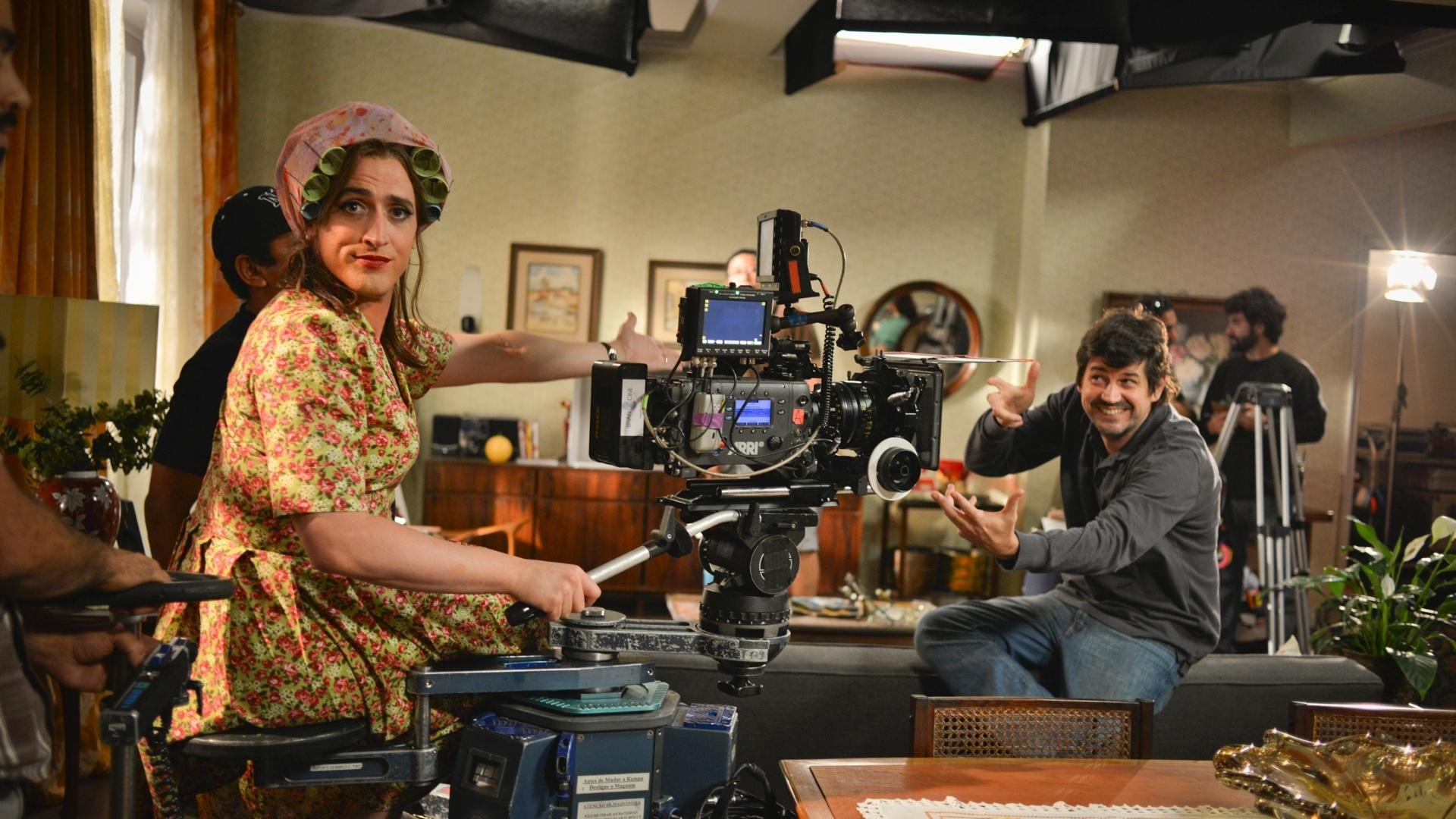 Paulo Gustavo brinca no set da comédia brasileira