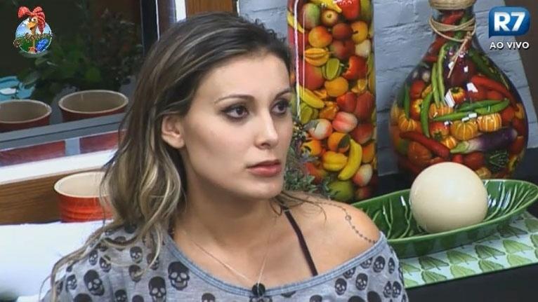 24.jun.2013 - Andressa e Ivo Meirelles se desentendem mais uma vez na tarde desta segunda-feira