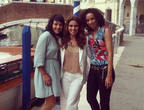 24.jun.2013 - Giovanna Antonelli posta foto de gravações na Itália