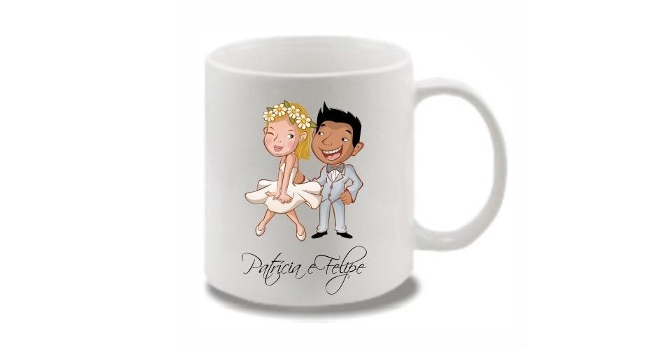 Caneca de porcelana (300 ml) com caricatura dos noivos; da Amei Casei (www.ameicasei.com.br), por R$ 7,90. Disponibilidade e preço pesquisados em junho de 2013 e sujeito a alterações