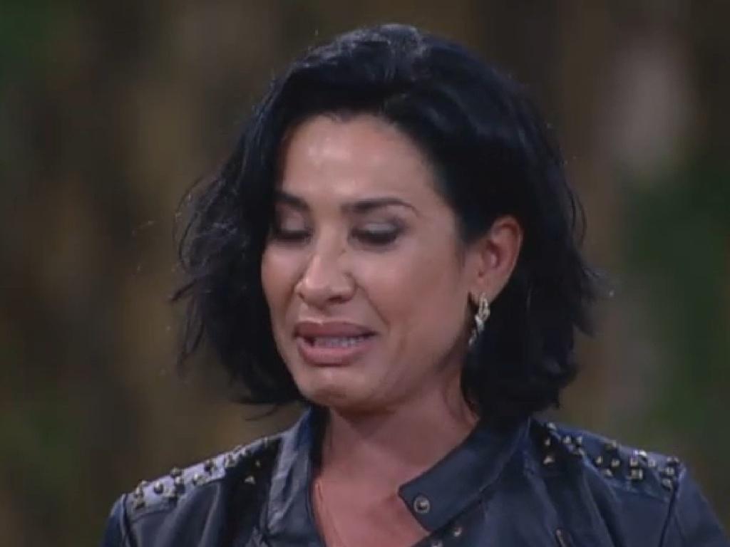 25.jun.2013 - Scheila Carvalho também foi às lágrima ao falar da família