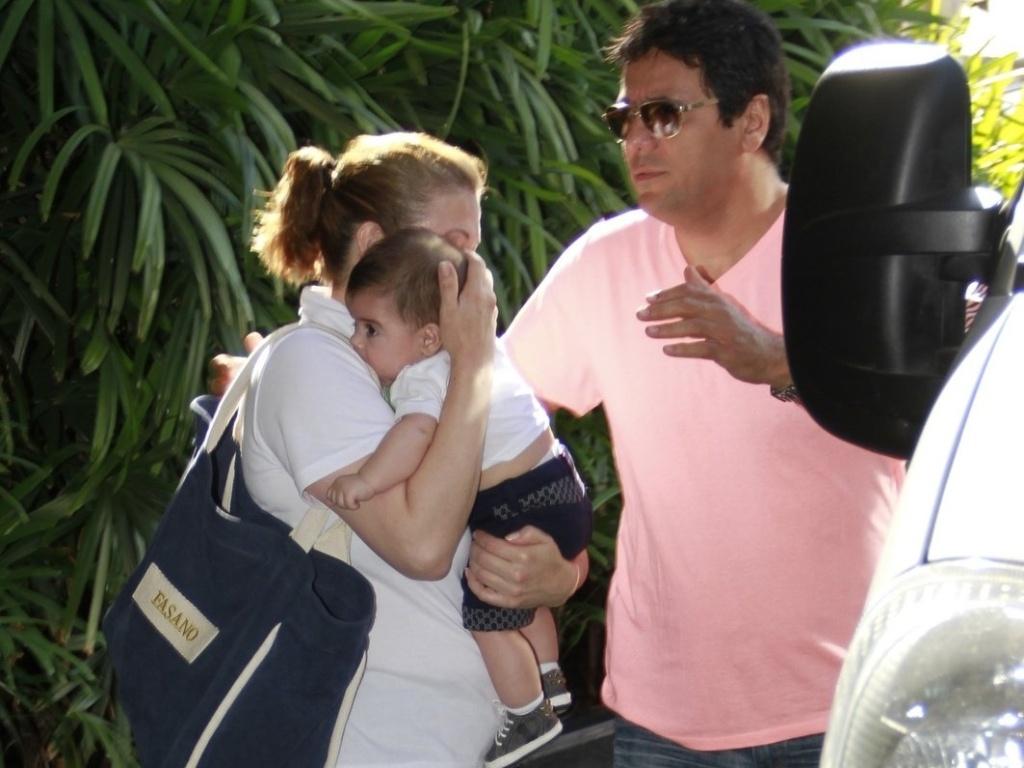 O filho Milan está no Brasil com a mãe, Shakira