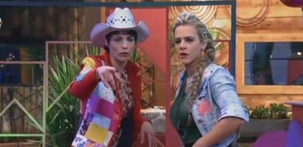 26.jun.2013 - Lu Schievano e Denise Rocha conversam durante festa
