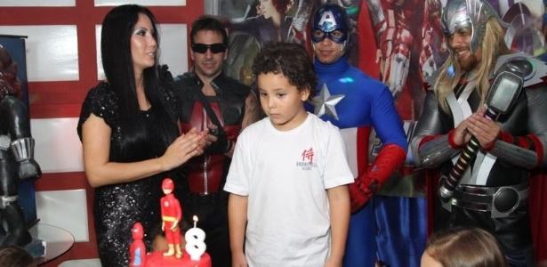 27.jun.2013 - Alex, filho do ex-jogador Ronaldo com Michele Umezu, comemora seu aniversário de oito anos em buffet na Barra da Tijuca, no Rio de Janeiro