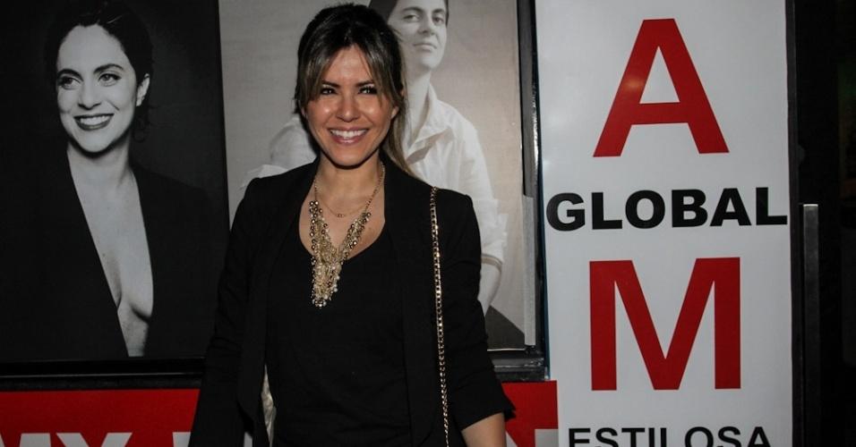 28.jun.2013 - Tânia Oliveira na inauguração da sala de karaokê de Thammy Gretchen em São Paulo