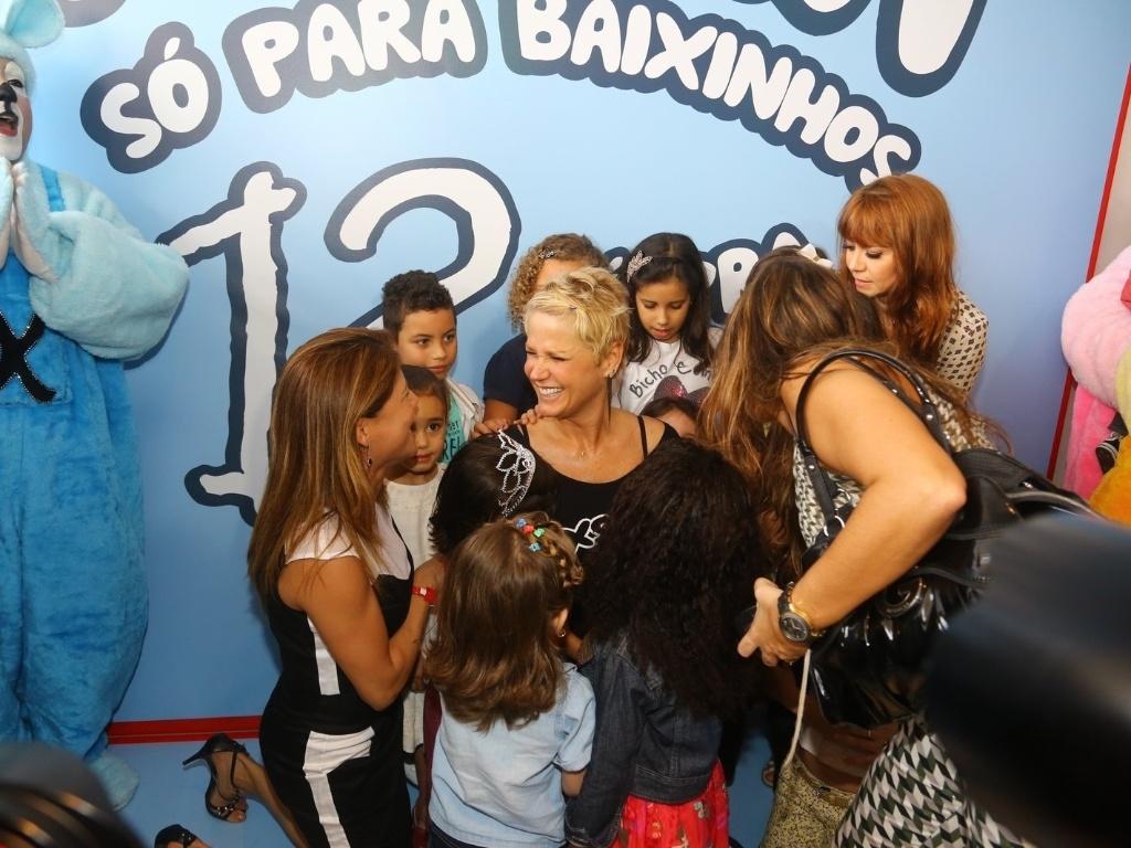 29.jun.2013 - Xuxa lança seu novo DVD,