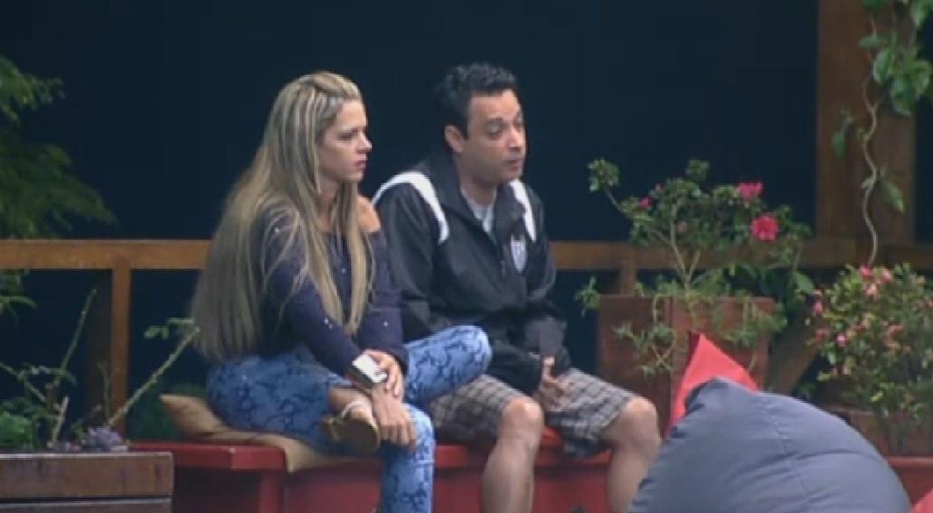 30.jun.2013 - Denise, Márcio e Ivo conversam sobre indicação à roça