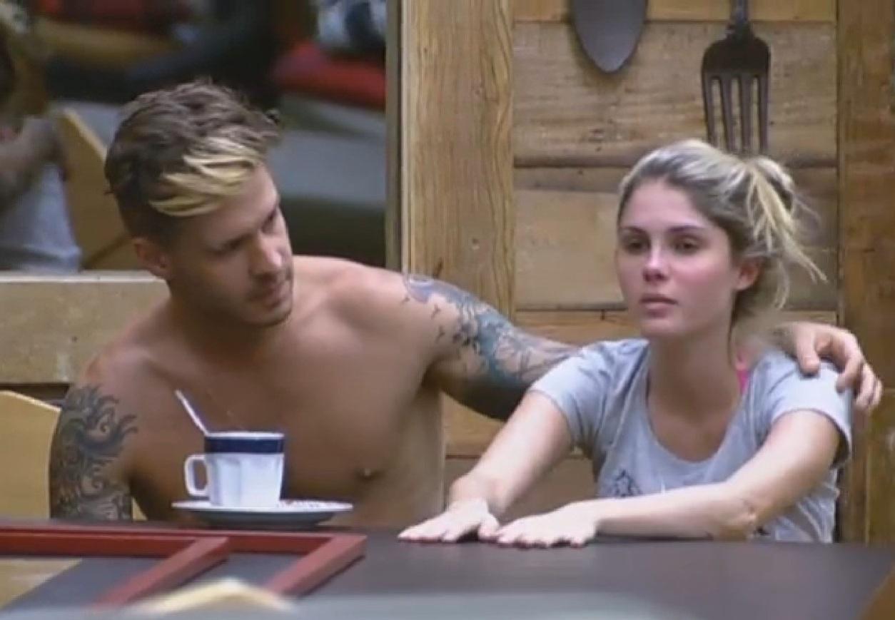 02.jul.2013 - Bárbara conversa com Mateus sobre Ivo e Lu: