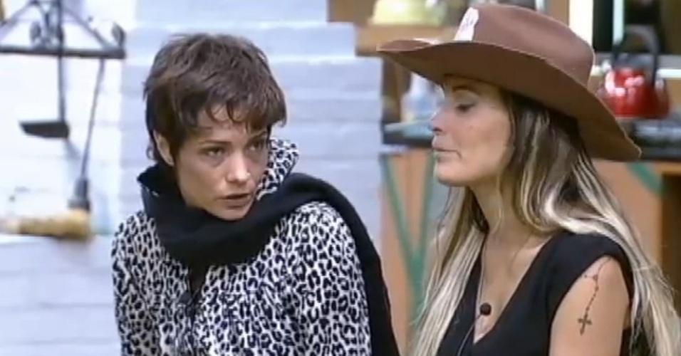 Em conversa com Andressa, Lu Schievano imita olhar de Mateus Verdelho