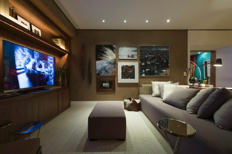 Para a mostra, a arquiteta Francisca Reis projetou a Sala Íntima, um espaço aconchegante, pensado para toda a família, e decorado de modo sóbrio em tons amarronzados. A 27ª Casa Cor SP segue até dia 21 de julho de 2013, no Jockey Club de São Paulo