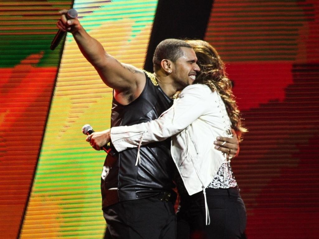 3.jul.2013 - Ivete Sangalo revelou no palco ser fã de Naldo, que mandou um aviso durante o show: