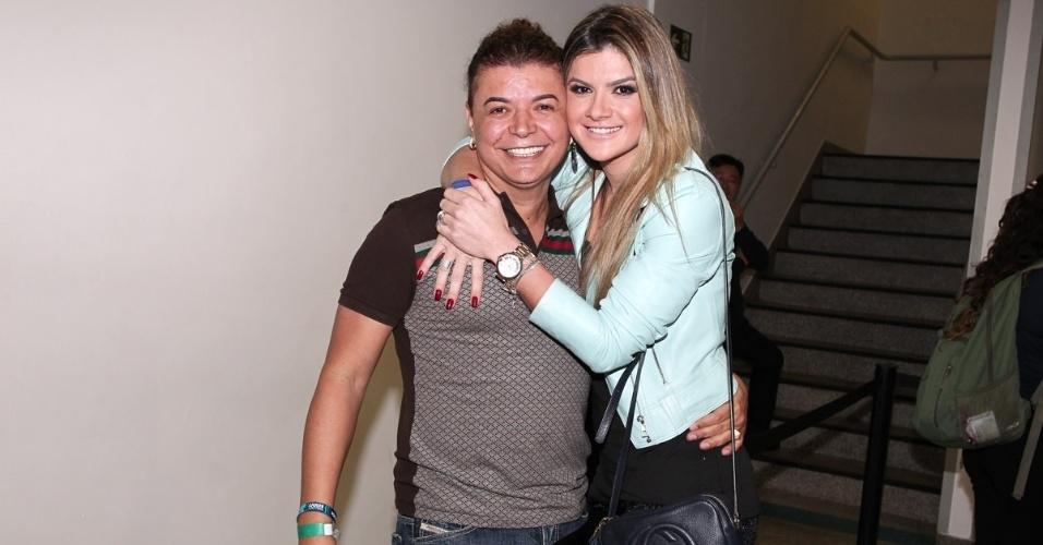 3.jul.2013 - O promotor de eventos David Brasil ao lado de Mirella Santos