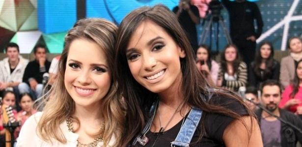 """Anitta tieta Sandy em gravação do """"Altas Horas"""""""
