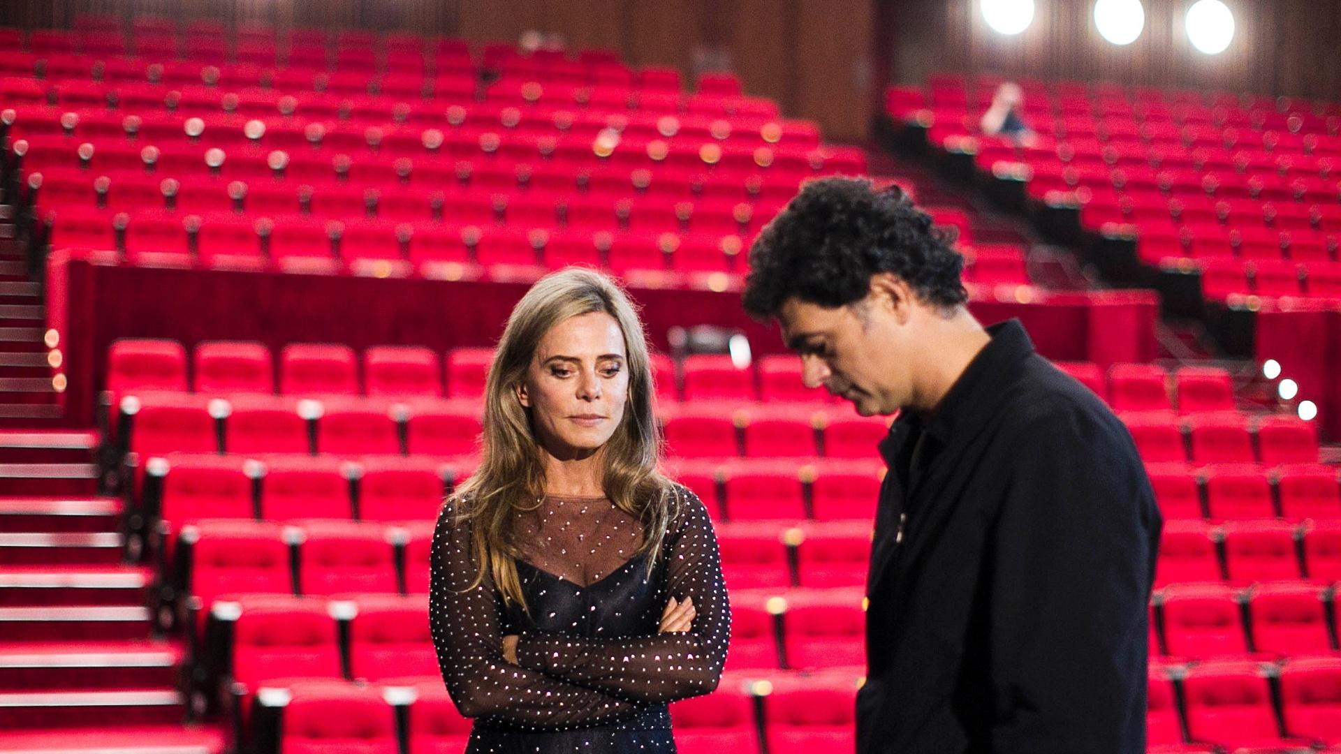 04.jul.2013 - Os atores Bruna Lombardi e Du Moscovis durante gravação do filme