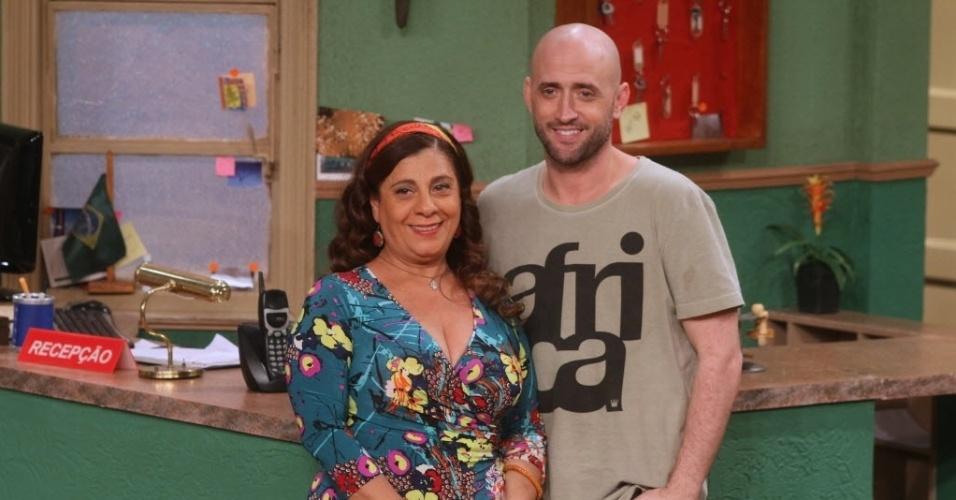 Catarina Abdalla e Paulo Gustavo são os protagonistas da série.