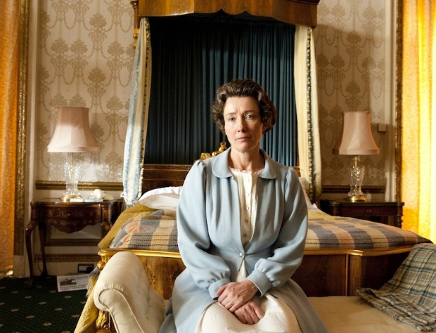 Emma Thompson interpreta a rainha Elizabeth no curta-metragem
