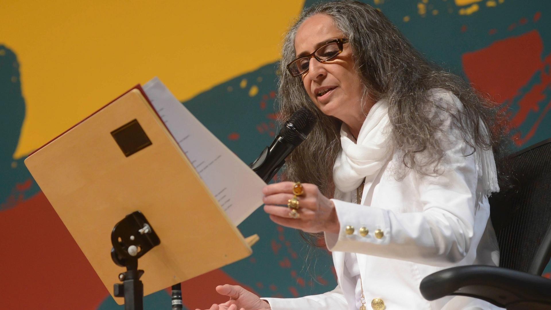 Maria Bethânia fez leituras de uma das obras de Fernando Pessoa