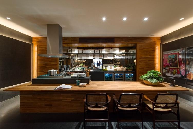 decoracao cozinha loft:Na cozinha do Loft do Jovem Empresário, assinado por David Bastos, a