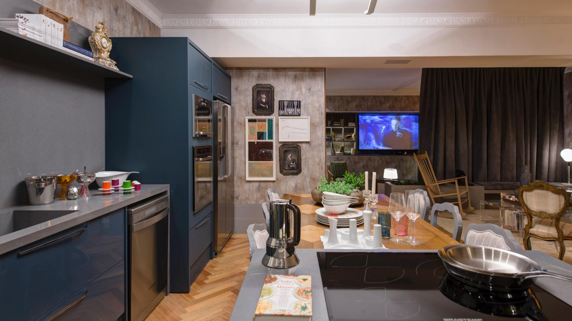 de interiores a bancada do cooktop fica junto a mesa de jantar a 27 #91613A 1920x1080