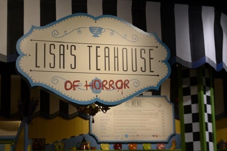 """Nova praça de alimentação do Universal Studios Florida, baseada na série de TV """"Os Simpsons"""". Opções bem saudáveis e outras comidinhas são as escolhas no Lisa's Teahouse of Horror"""