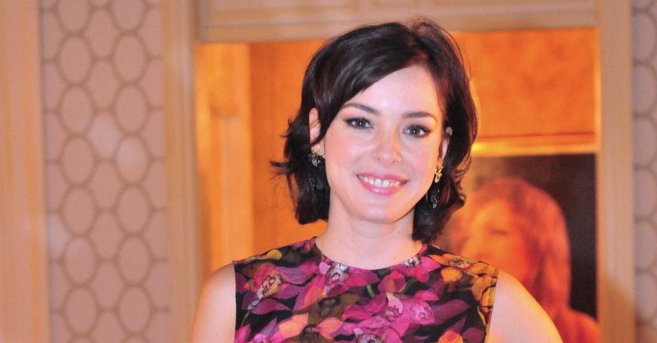 Regiane Alves (Renata, Sangue Bom)