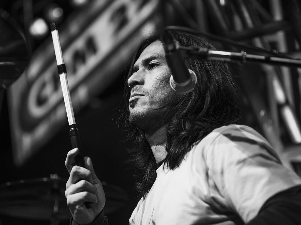 11.jul.2013 - O baterista da banda, Japinha