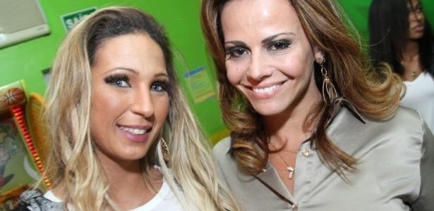 11.jul.2013 - Viviane Araújo e Valesca Popozuda na festa de comemoração do 1º aniversário de Vitor, sobrinho de Viviane. O evento aconteceu em buffet da Barra da Tijuca, Rio de Janeiro