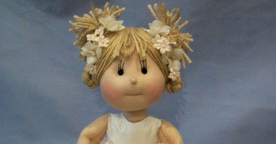 Boneca de dama de honra; da Arte Sã, por Ilma Brescia (www.ilmabrescia.com.br), por R$ 450 (unidade). Disponibilidade e preço pesquisados em julho de 2013 e sujeito a alterações