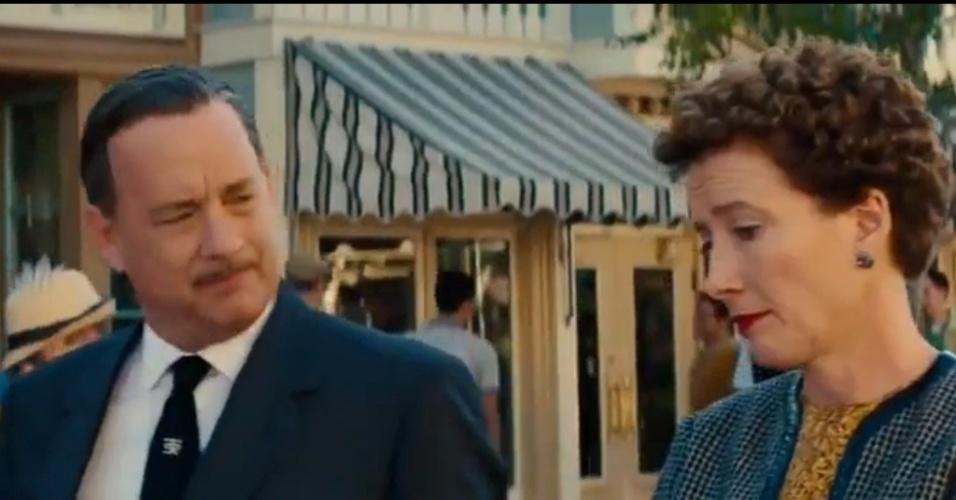 Tom Hanks e Emma Thompson em cena de