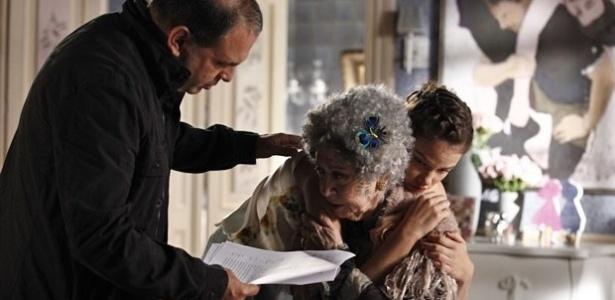 11.jul.2013 - Fernanda Montenegro e Laura Neiva gravam cenas da ressurreição de Candinha em