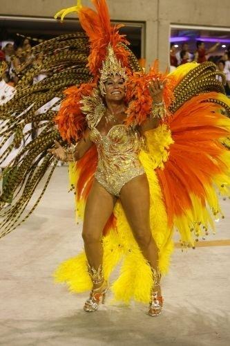 22.fev.2009 - A atriz Susana Vieira, rainha de bateria da Grande Rio, durante desfile das escolas de samba do Rio de Janeiro, na Marquês de Sapucaí