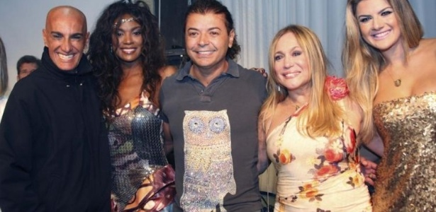 31.jul.2010 - Amin Kader, Chris Viana, David Brazil, Susana Vieira e Mirella Santos no lançamento de enredo da escola de samba Grande Rio, no Rio de Janeiro