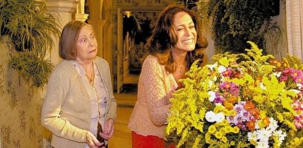 25.mai.2004 - As atrizes Miriam Pires e Susana Vieira gravam sua primeira cena na novela