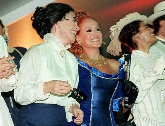 15.fev.1999 - As atrizes Regina Duarte e Susana Vieira durante gravação da minissérie