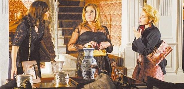 1.nov.2009 - As atrizes Thaís de Campos, Suzana Vieira e Monique Alfradique em cena da minissérie