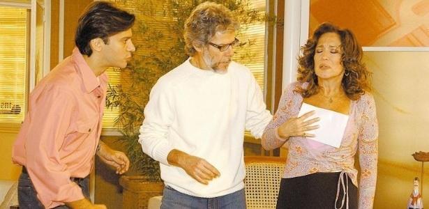 26.jun.2004 - Os atores Leonardo Vieira, José Mayer e Susana Viera durante gravação da novela