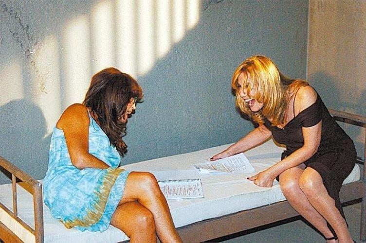 2005 - Susana Vieira e Renata Sorrah se divertem nos bastidores da novela