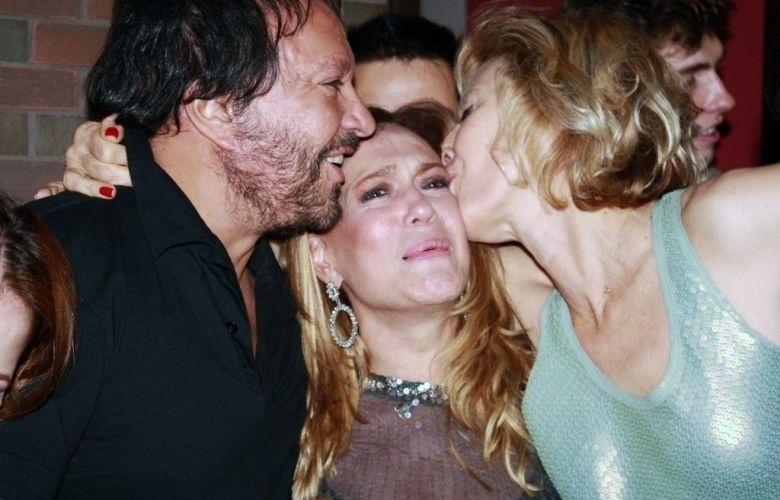 2011 - Susana Vieira entre o diretor Wolf Maya e a apresentadora Marília Gabriela