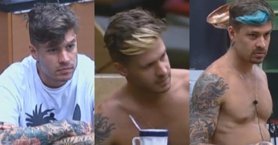 15.jul.2013 - Conhecido por suas tatuagens e visual radical, Mateus Verdelho descoloriu a franja, e dias depois pintou de azul.