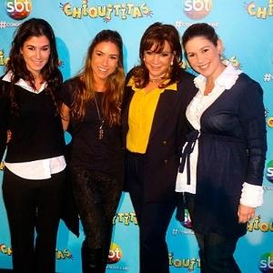 """Renata, Patricia, Iris e Daniela Abravanel, durante a exibição do 1ª capítulo de """"Carrossel"""""""