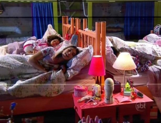 As meninas obedecem Ernestina e resolvem dormir