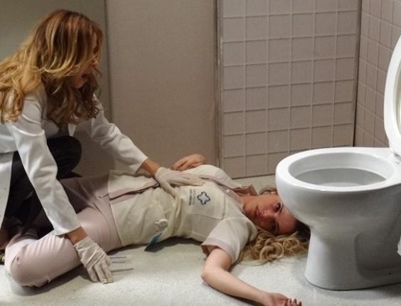 """Em """"Amor à Vida"""", Glauce mata Elenice ao ser vista fraudando exame"""