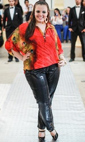 Modelo apresenta look da Xiis+ para o Verão 2014 durante o desfile Mulheres Reais, em São Paulo (16/07/2013)