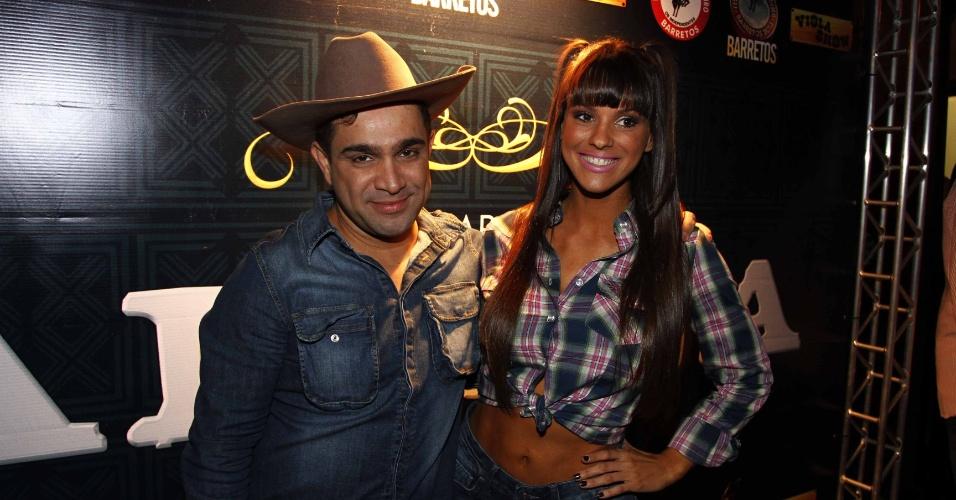 16.jul.2013 - Carol Narizinho e Evandro Santo durante evento de lançamento da 58ª Festa do Peão de Barretos no Villa Country, em São Paulo