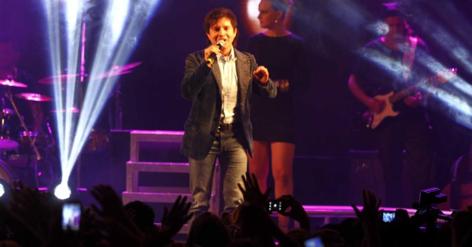 16.jul.2013 - Chitãozinho, da dupla com Xororó, durante evento de lançamento da 58ª Festa do Peão de Barretos no Villa Country, em São Paulo