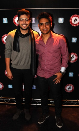 16.jul.2013 - Henrique e Juliano durante evento de lançamento da 58ª Festa do Peão de Barretos no Villa Country, em São Paulo