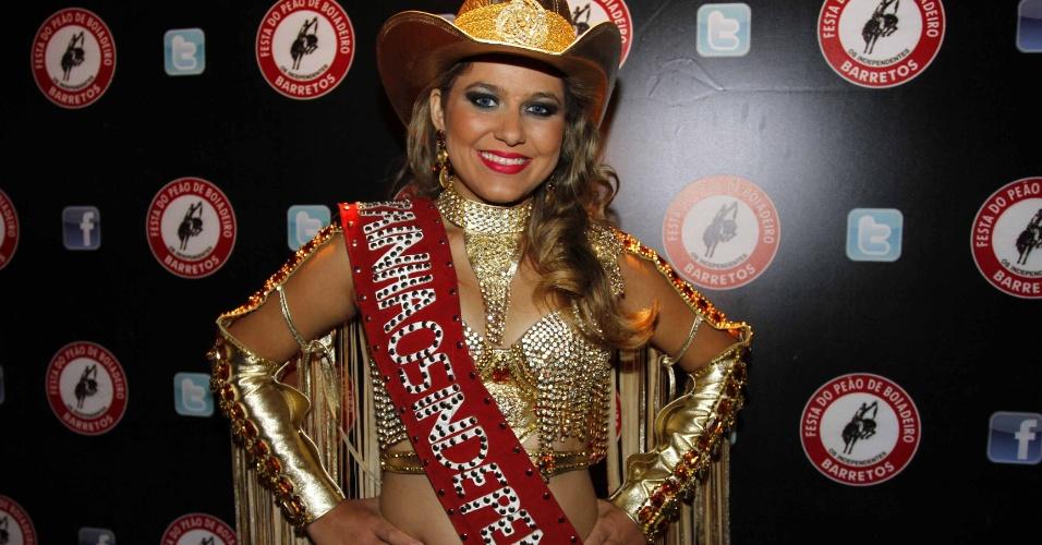 16.jul.2013 - Kamila Oliveira, rainha do evento de lançamento da 58ª Festa do Peão de Barretos no Villa Country, em São Paulo