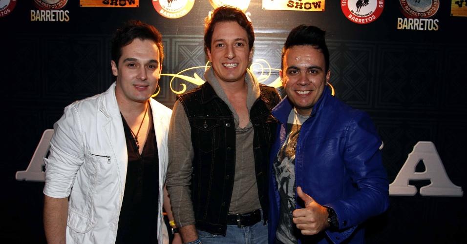 16.jul.2013 - O Trio Bravana durante evento de lançamento da 58ª Festa do Peão de Barretos no Villa Country, em São Paulo