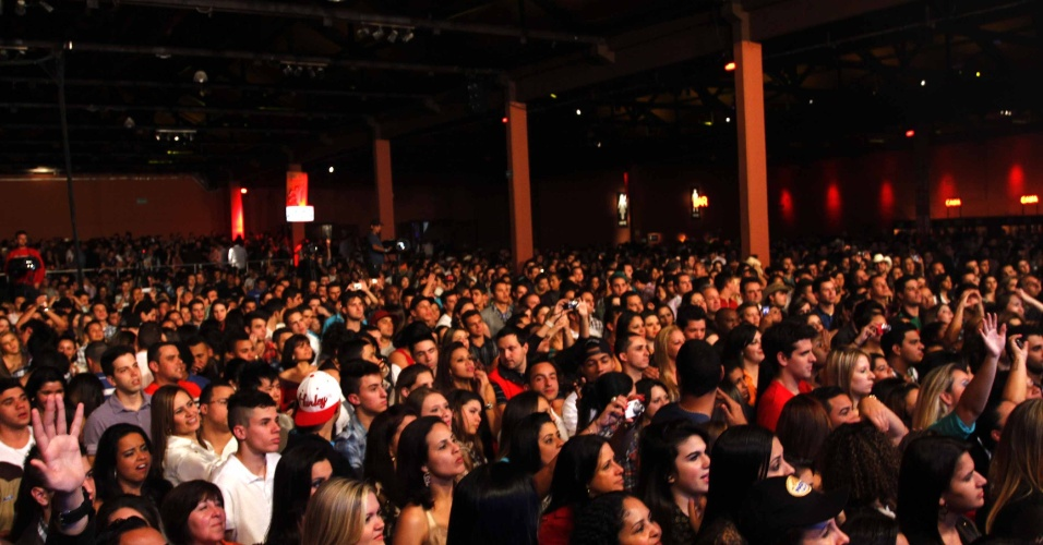 16.jul.2013 - Público durante evento de lançamento da 58ª Festa do Peão de Barretos no Villa Country, em São Paulo