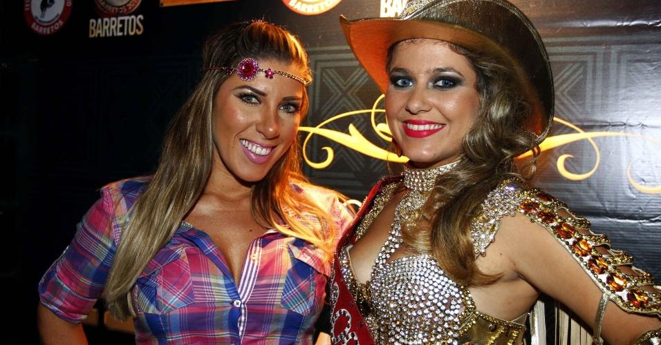 16.jul.2013 - Tati Minerato e Kamila Oliveira durante evento de lançamento da 58ª Festa do Peão de Barretos no Villa Country, em São Paulo